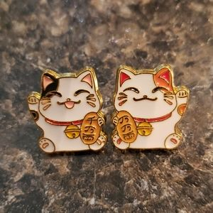 2 Piece Matching Lucky Chinese Fortune Cat Pins